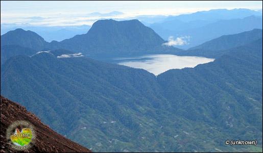 Di provinsi jambi yaitu danau gunung tujuh danau ini terletak di
